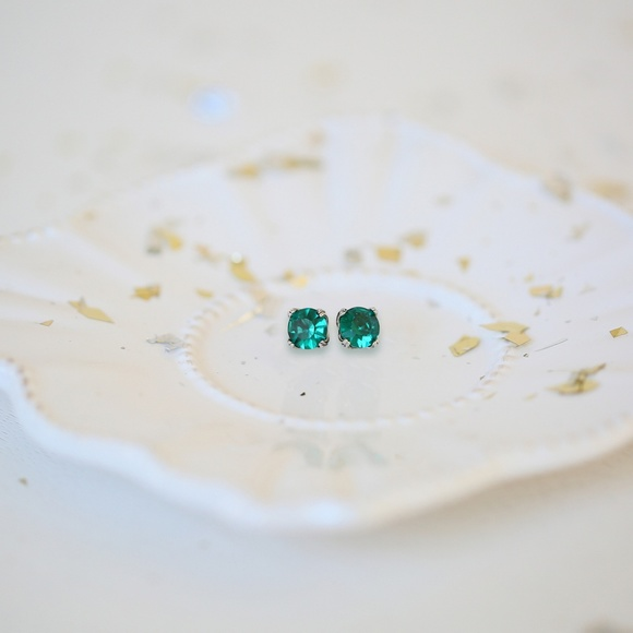 Chloe + Isabel Jewelry - Chloe + Isabel Round Emerald Stud Earrings